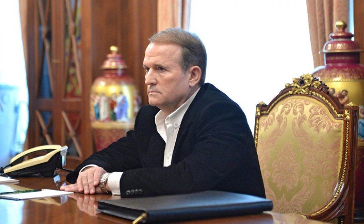 viktor-medvedchuk-1200x741Viktor Medvedchyuk, le chef du Conseil politique de la plate-forme d'opposition du parti ukrainien - Pour la vie