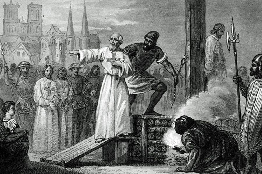 2068799JACQUES DE MOLAY sera brûlé vif, à Paris, sur ordre de Philippe le Bel. Au terme d'un procès inique. © Belga