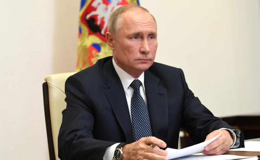 H.K.KREMLIN 3 XX 3 Le Président a tenu une réunion sur la mission russe de maintien de la paix au Haut-Karabakh, par vidéoconférence.