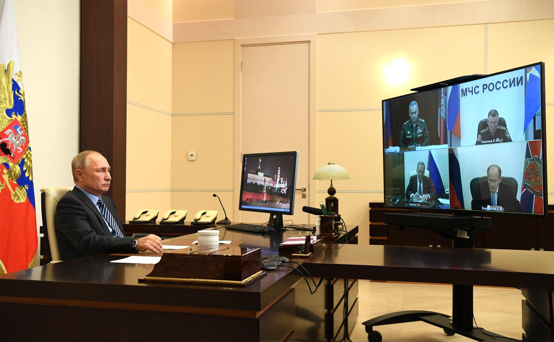 KREMLIN H.K. PH 3 SUR 3 DU 13.11.2020. Réunion sur la résolution des problèmes humanitaires au Haut-Karabakh - 13.11.2020