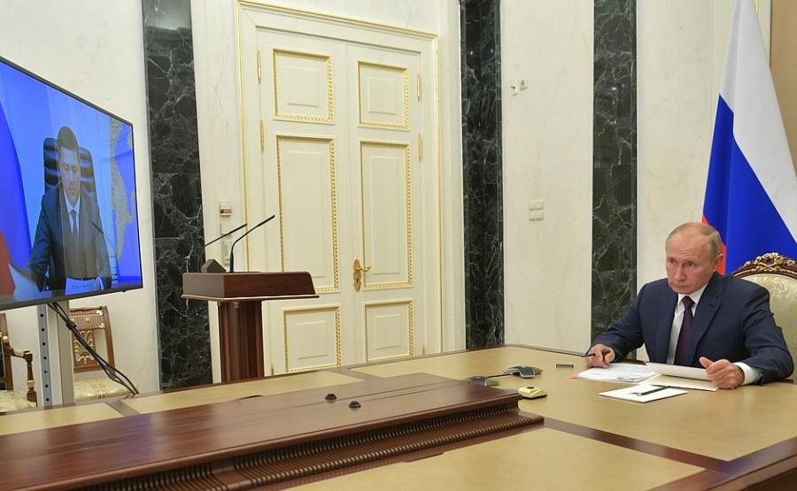 KREMLIN PH 1 XX 3 DU 23.11.2020. Rencontre avec le gouverneur de la région de Pskov, Mikhail Vedernikov - 23 novembre 2020 - 13h