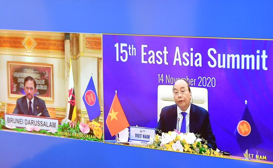 KREMLIN PH 2 XX 4 DU 14.11.2020 Lors de la séance plénière du 15e Sommet de l'Asie de l'Est tenue par vidéoconférence.