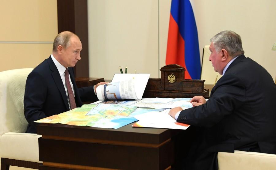 KREMLIN ROSNEFT 1 PH DU 23.11.2020 Rencontre avec Igor Sechin, PDG de Rosneft - 25 novembre 2020 - 15H