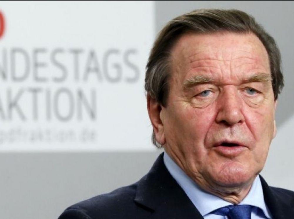 L'ex-chancelier allemand Gerhard Schröder,