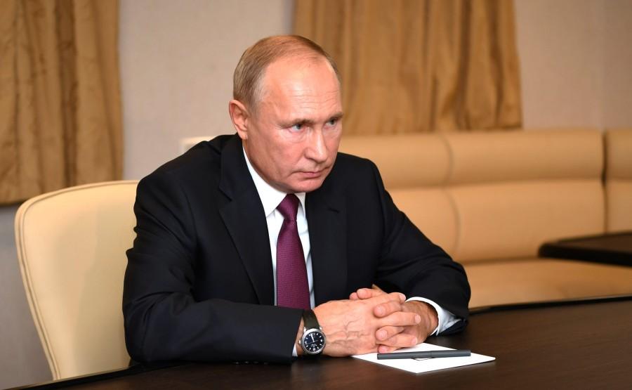 RUSSIE 2 SUR 3 Rencontre avec le gouverneur de Saint-Pétersbourg Alexander Beglov.