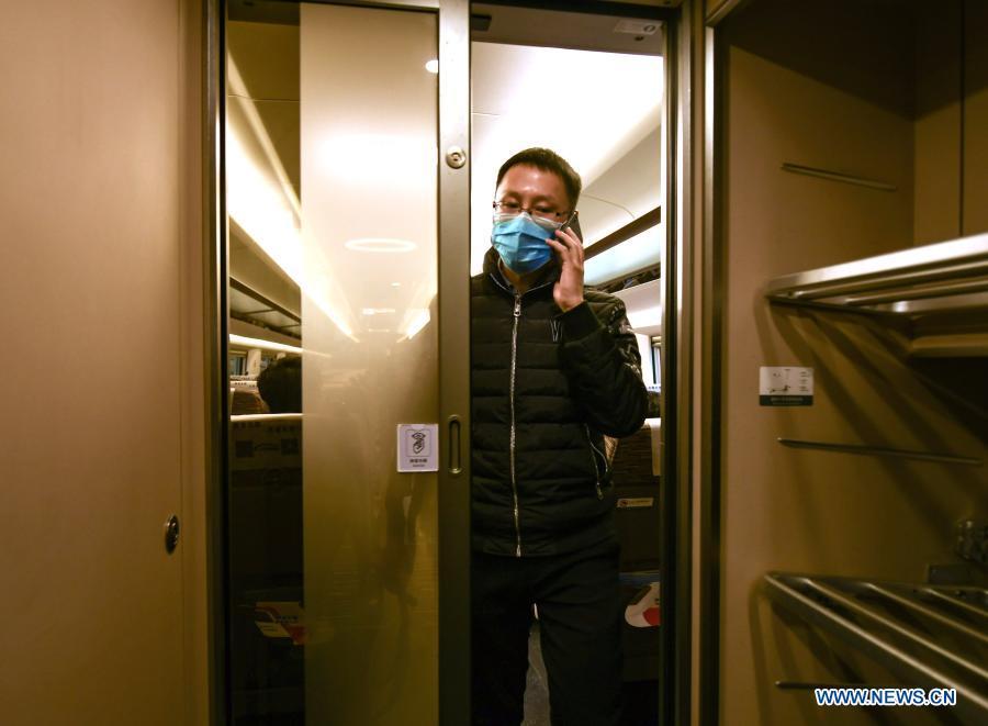 En Chine 1, quelques TGV ont mis en place un service pilote de « wagons silencieux » pour les passagers souhaitant opter pour une expérience de voyage calme et silencieuse.