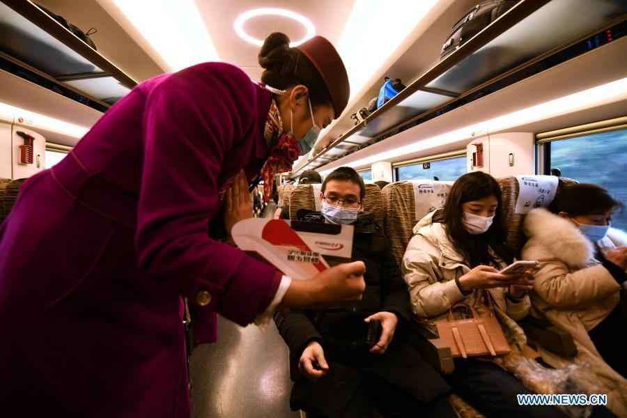 En Chine 2, quelques TGV ont mis en place un service pilote de « wagons silencieux » pour les passagers souhaitant opter pour une expérience de voyage calme et silencieuse.