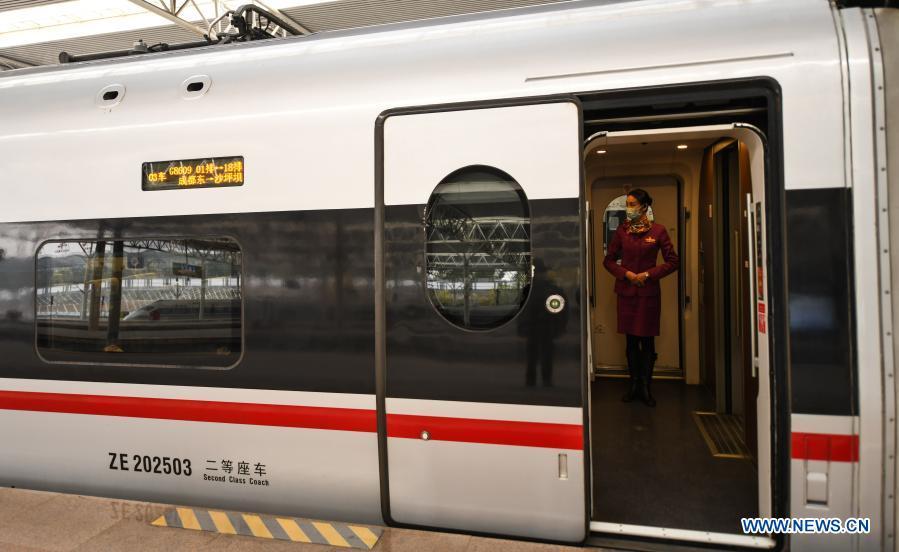 En Chine, 3 quelques TGV ont mis en place un service pilote de « wagons silencieux » pour les passagers souhaitant opter pour une expérience de voyage calme et silencieuse.