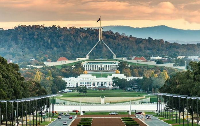 parlement-canberra-696x437