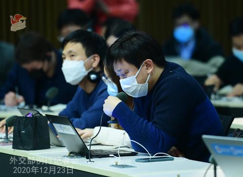PEKIN 2 Conférence de presse du 23 décembre 2020 tenue par le porte-parole du Ministère des Affaires étrangères Zhao Lijian