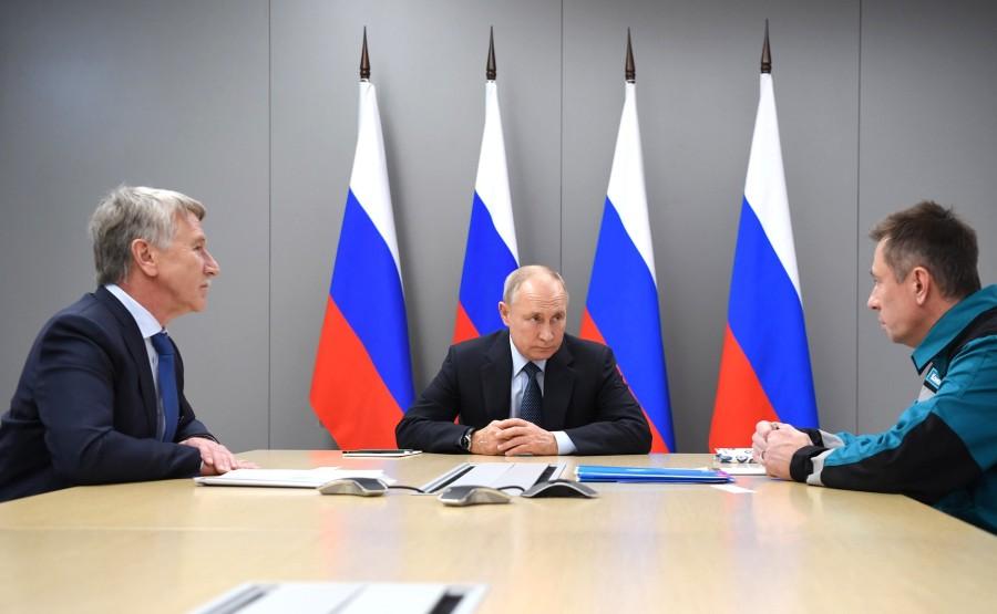 UN SUR DEUX DU 01.12.2020 Avec le président du conseil d'administration de NOVATEK, Leonid Mikhelson, et le président du conseil d'administration de SIBUR Holding, Dmitry Konov.