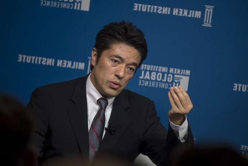 Le Vice-Ministre japonais de la Défense Yasuhide Nakayama