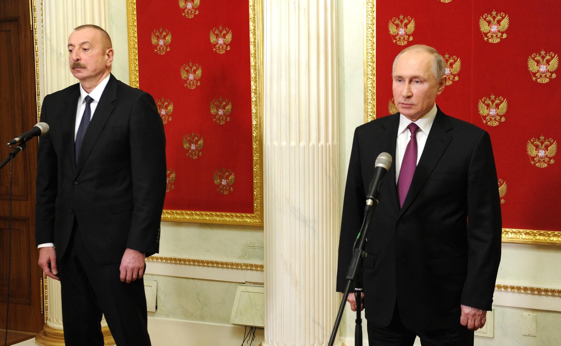 PH 2 SUR 5 Communiqués de presse à l'issue des entretiens avec le président azerbaïdjanais Ilham Aliyev et le Premier ministre arménien Nikol Pashinyan - 11 janvier 2021 – 17H50