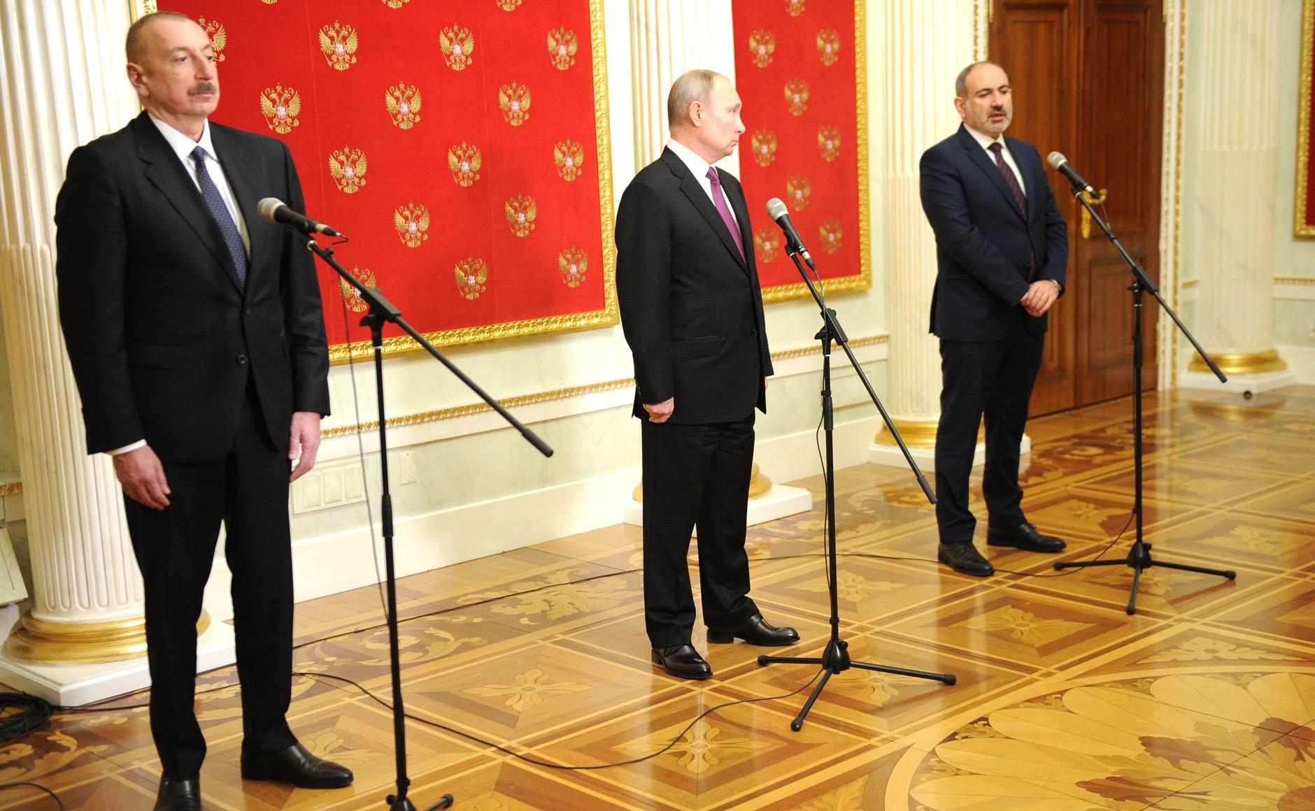 PH 5 SUR 5 Communiqués de presse à l'issue des entretiens avec le président azerbaïdjanais Ilham Aliyev et le Premier ministre arménien Nikol Pashinyan - 11 janvier 2021 – 17H50