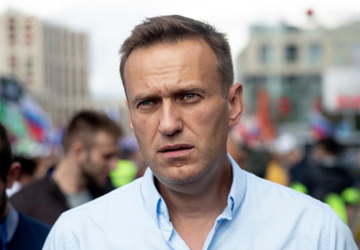 Critique-feroce-Kremlin-Alexei-Navalny-place-artificiel-lhopital-1-dOmsk-transporte-inconscient_0_730_507