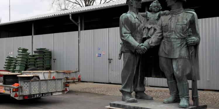 la-pologne-jette-a-la-poubelle-de-lhistoire-ses-monuments-communistes-1285629