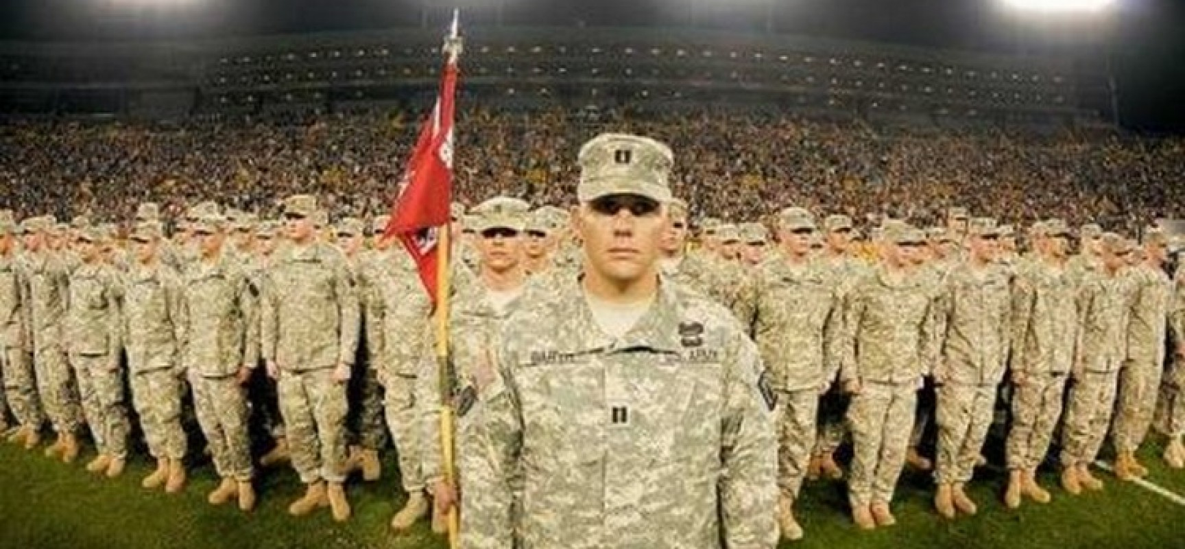 US-army-soldiers-veterans-formation