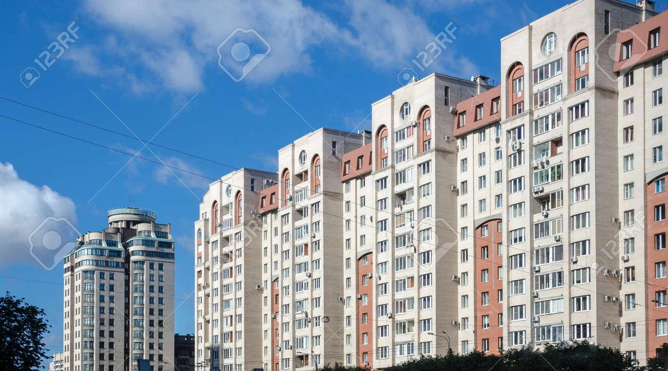 86321368-immeubles-d-habitation-à-saint-pétersbourg-russie