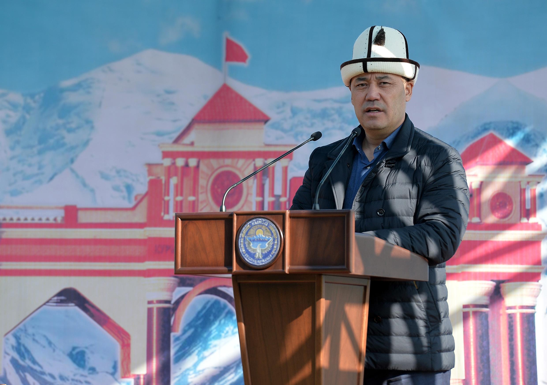 Japarov s'exprimant à Osh. (Photo Bureau de presse présidentiel)