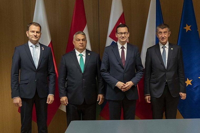 Les dirigeants des pays du groupe de Visegrad en juillet 2020. De gauche à droite - Igor Matovič (Slovaquie), Viktor Orbán (Hongrie), Mateusz Morawiecki (Pologne) et Andrej Babiš (République tchèque) - Crédits - Conseil de l'UE