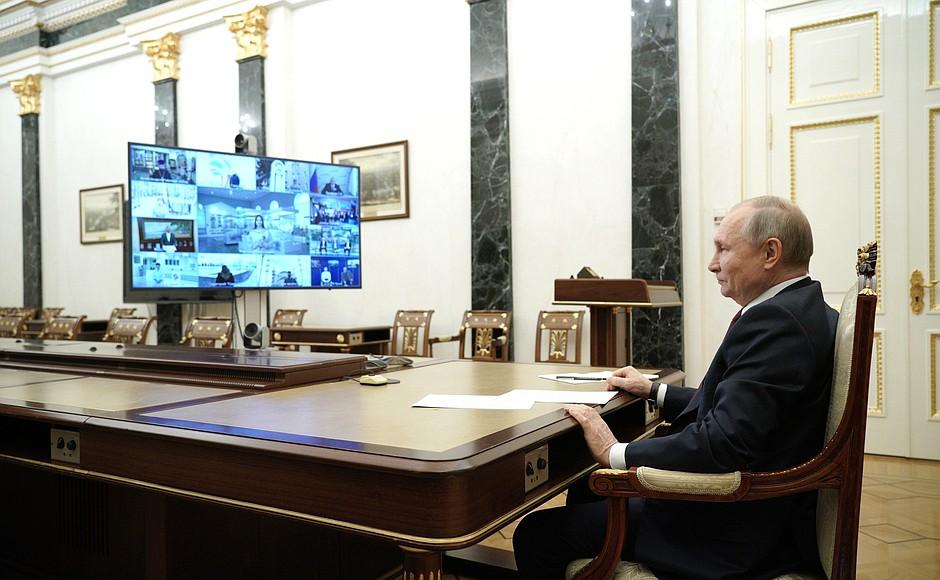 RU CRIMEE 3 XX 3 Rencontre avec des représentants du public de Crimée et de Sébastopol - 18 mars 2021 - 15H20