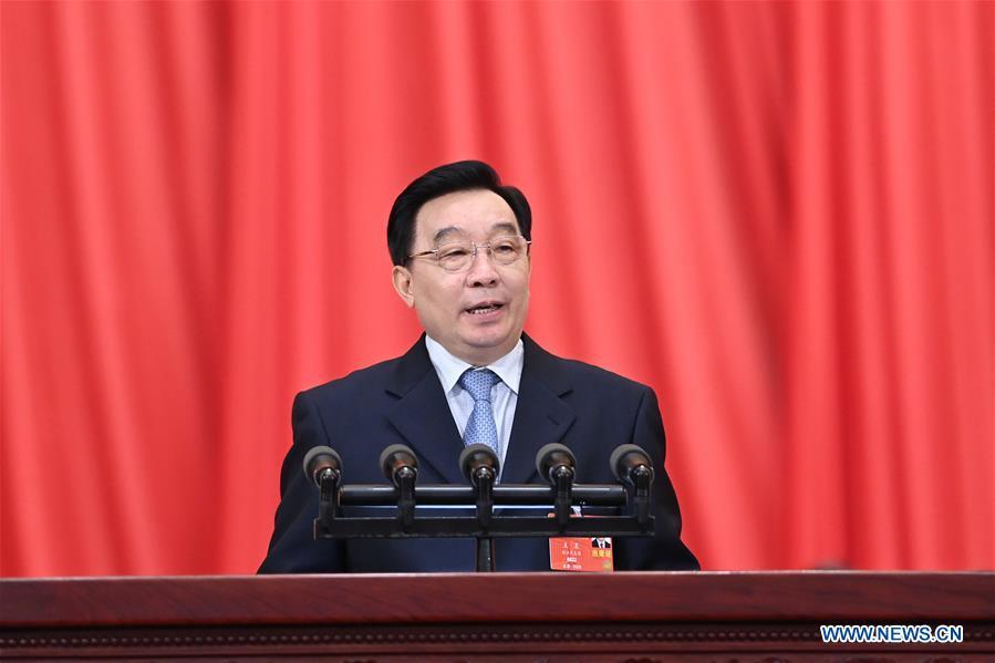 Wang Chen, vice-président du Comité permanent de l'Assemblée populaire nationale (APN), a expliqué le projet de décision à la troisième session de la 13e APN