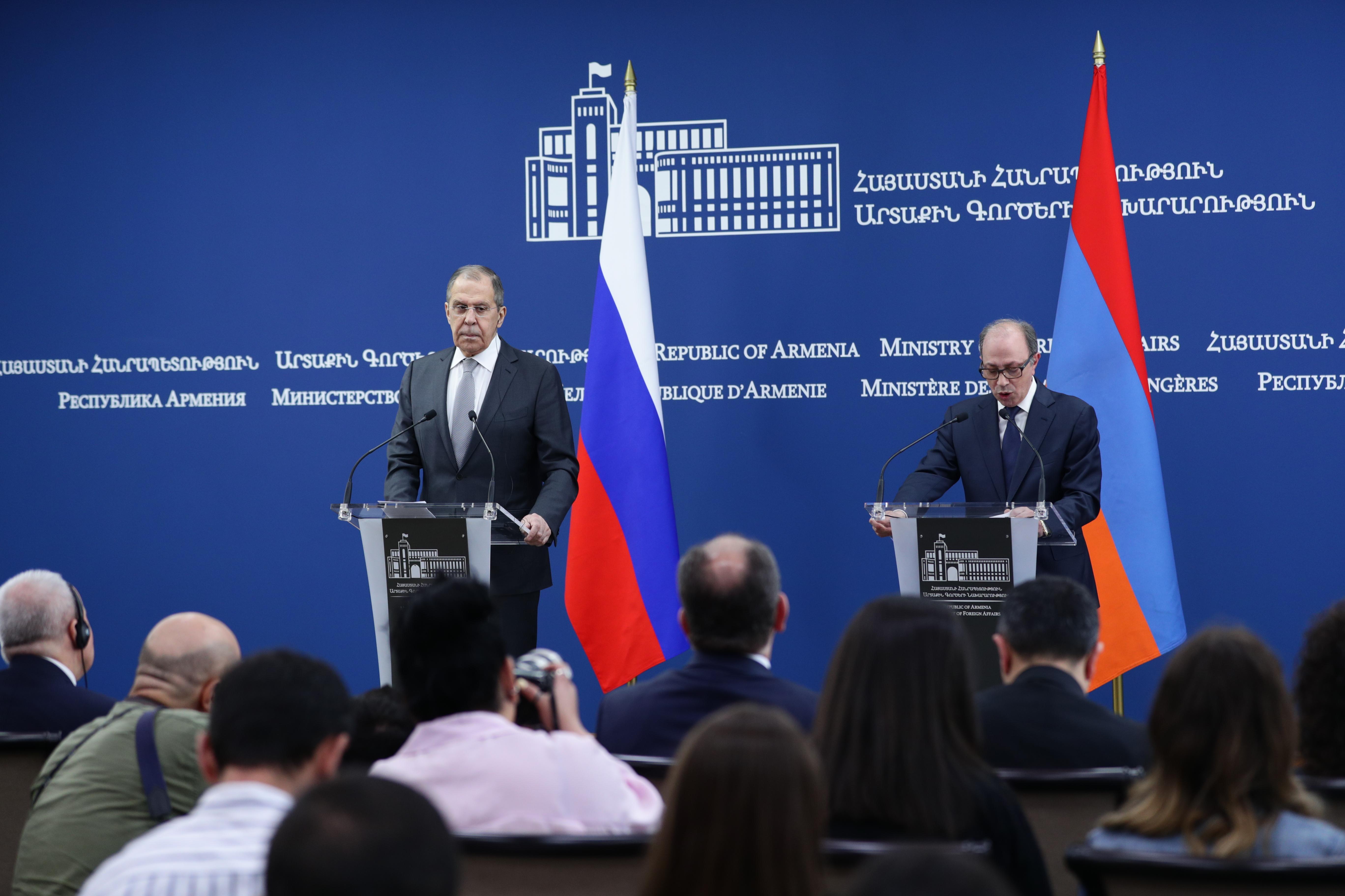 6 mai 202115H51 Allocution du Ministre des affaires étrangères Sergueï Lavrov avec le Ministre des affaires étrangères par intérim de la République d'Arménie Ara Ayvazyan, Erevan,
