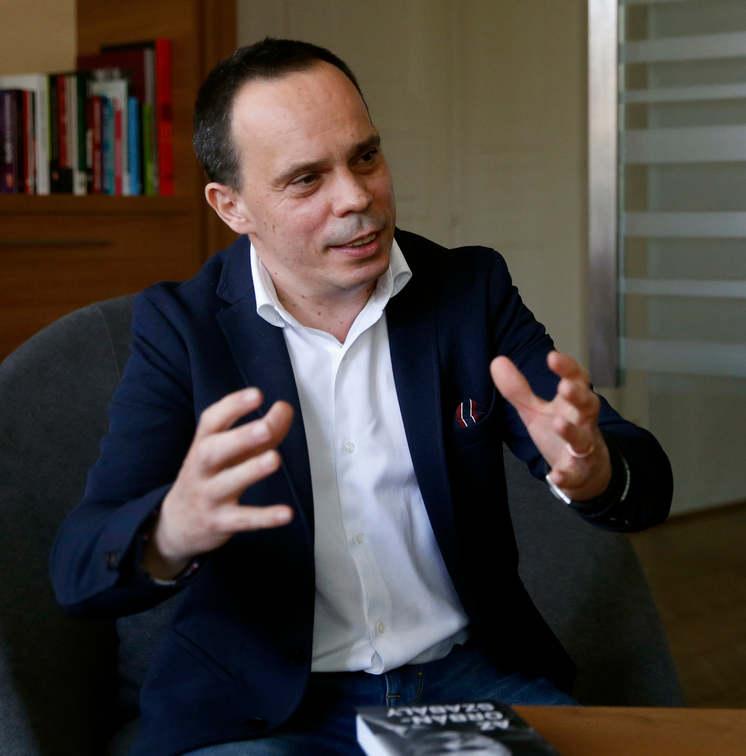 HONGRIE Selon le philosophe politique, le secret du Fidesz est qu'il se tient aux côtés du peuple, parle sa langue et gagne pour lui.