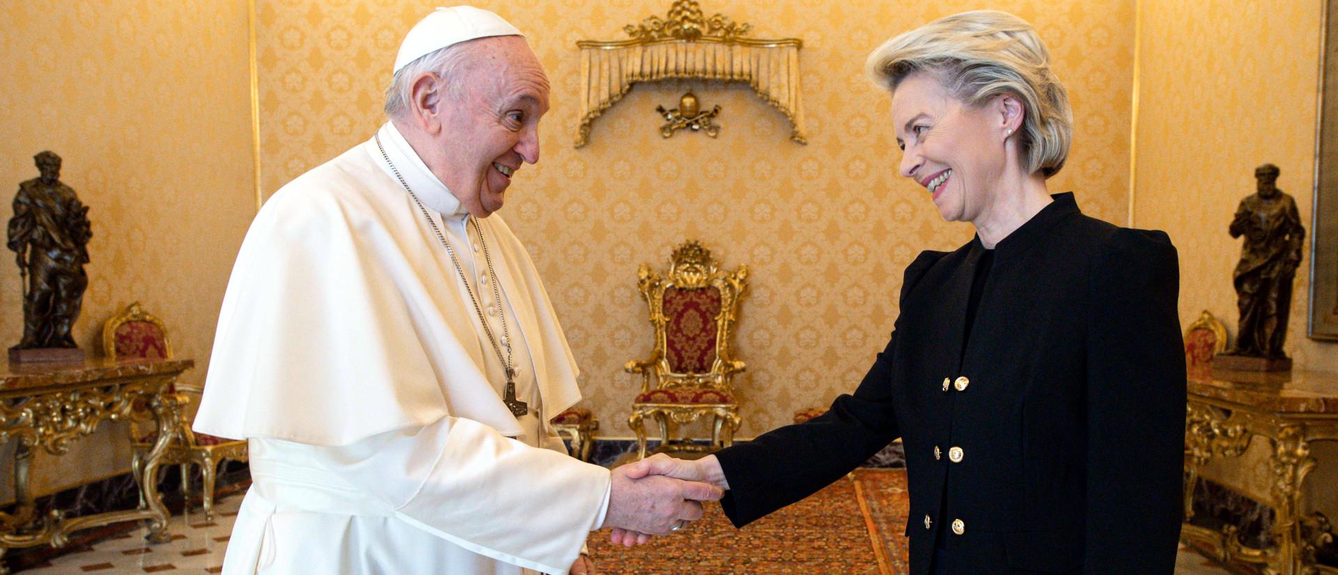 Papst Franziskus und Ursula von der Leyen