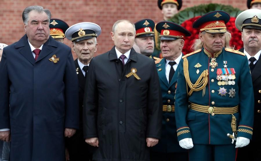 SOLDAT INCONNU 8 XX 19 Dépôt de gerbes sur la tombe du soldat inconnu - 9 mai 2021 – 11H20 - Moscou