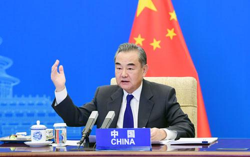 Wang Yi PH 1 préside une vidéoconférence des Ministres des Affaires étrangères de la Chine, de l'Afghanistan, du Pakistan, du Népal, du Sri Lanka et du Bangladesh – 27 Avril 2021