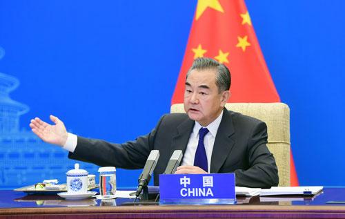 Wang Yi PH 2 préside une vidéoconférence des Ministres des Affaires étrangères de la Chine, de l'Afghanistan, du Pakistan, du Népal, du Sri Lanka et du Bangladesh – 27 Avril 2021
