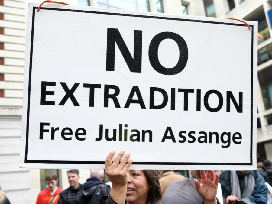 011119_julian_assange