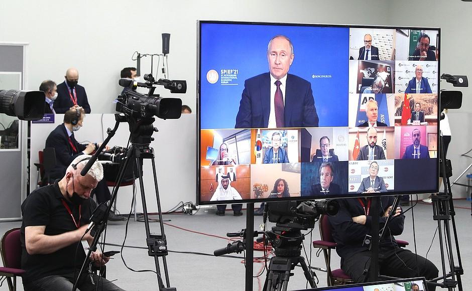 AG TASS 8 X 9 DU 04.06.2021 Rencontre avec des responsables d'agences de presse internationales - 4 juin 2021 – 23h00 – Saint-Pétersbourg