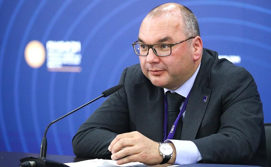 AG TASS 9 X 9 DU 04.06.2021 Rencontre avec des responsables d'agences de presse internationales - 4 juin 2021 – 23h00 – Saint-Pétersbourg