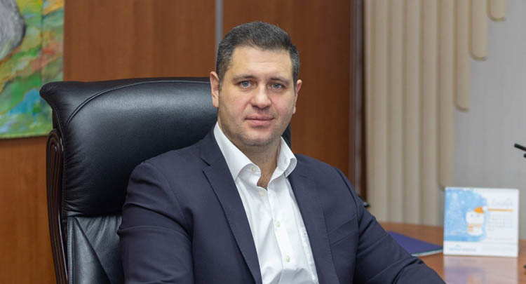 Directeur général de Gazprom Dobycha Noyabrsk Anton Dzhalyabov