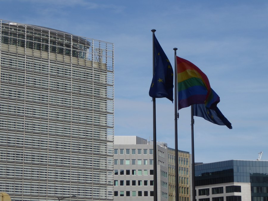 Europa-Building-LGBT-flag