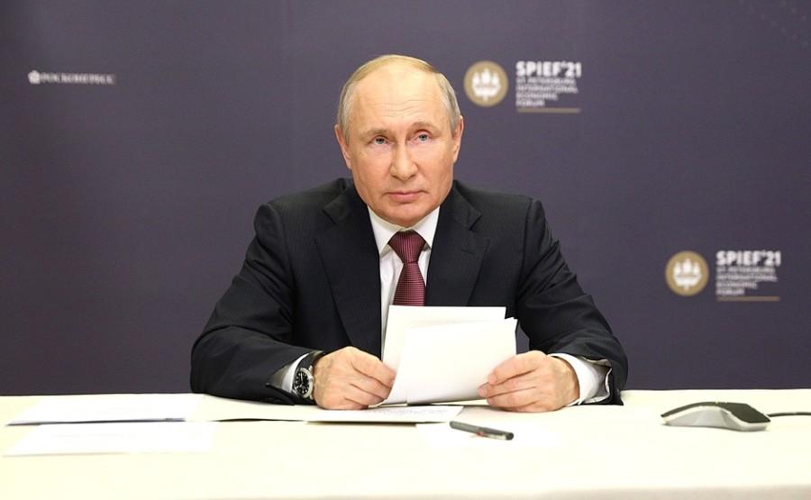 FORUM ECO 1 X 3 DU 03.06.2021. Cérémonie de signature des accords d'investissement au Forum économique international de Saint-Pétersbourg 03 juin 2021