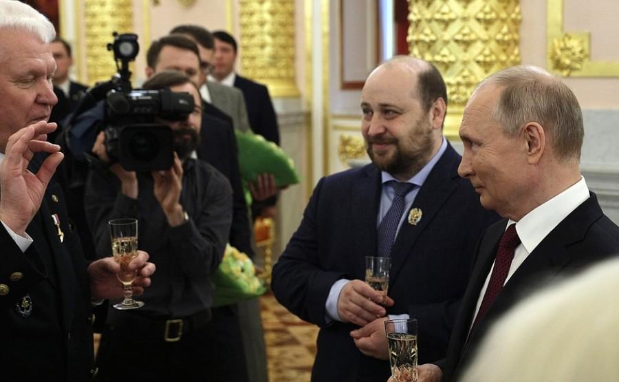 HEROS 2 SUR 3 DU 12.06.2021 Rencontre avec les lauréats des prix nationaux et les héros du travail de la Fédération de Russie 12 juin 2021 – 14h30