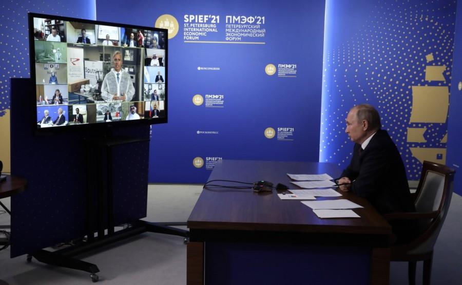 INV.VACCIN 3 X 9 Rencontre avec des investisseurs internationaux et des représentants de producteurs étrangers de vaccin Spoutnik V - 4 juin 2021 – 21h15 - Saint-Pétersbourg