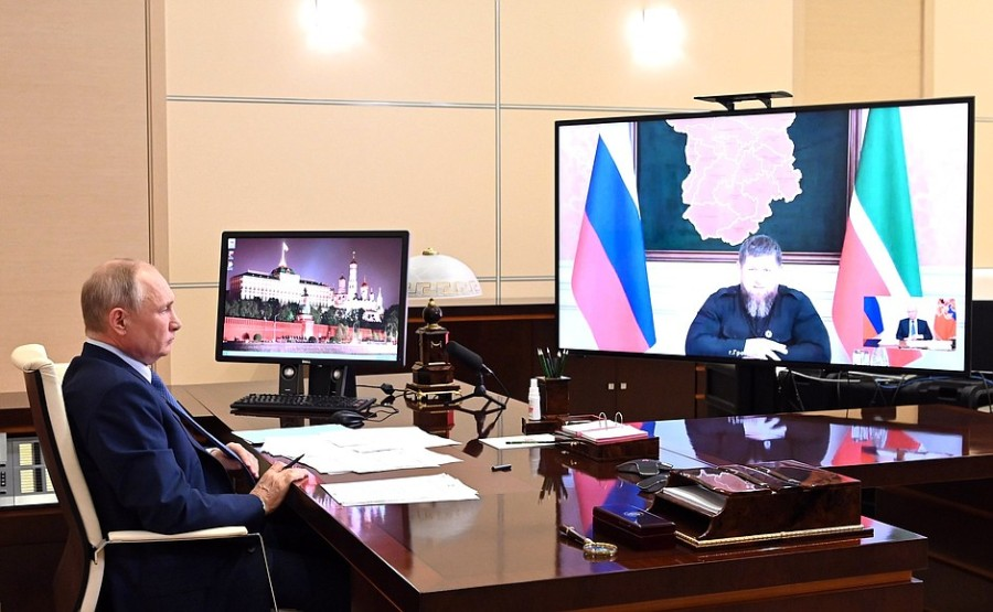 Kremlin 2 SUR 4 DU 23.06.2021- Réunion de travail avec le chef de la Tchétchénie Ramzan Kadyrov 23 juin 2021
