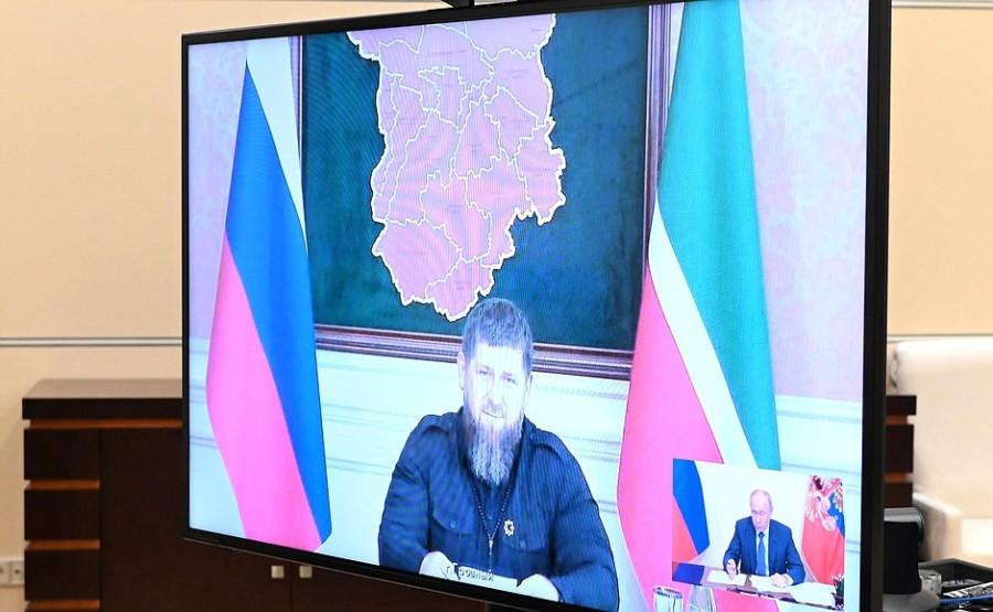Kremlin 4 SUR 4 DU 23.06.2021- Réunion de travail avec le chef de la Tchétchénie Ramzan Kadyrov 23 juin 2021
