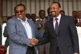 Le vice-premier ministre Demeke Mekonnen (à gauche) et le premier ministre Abiy Ahmed Ali. © Tiksa Negeri Reuters