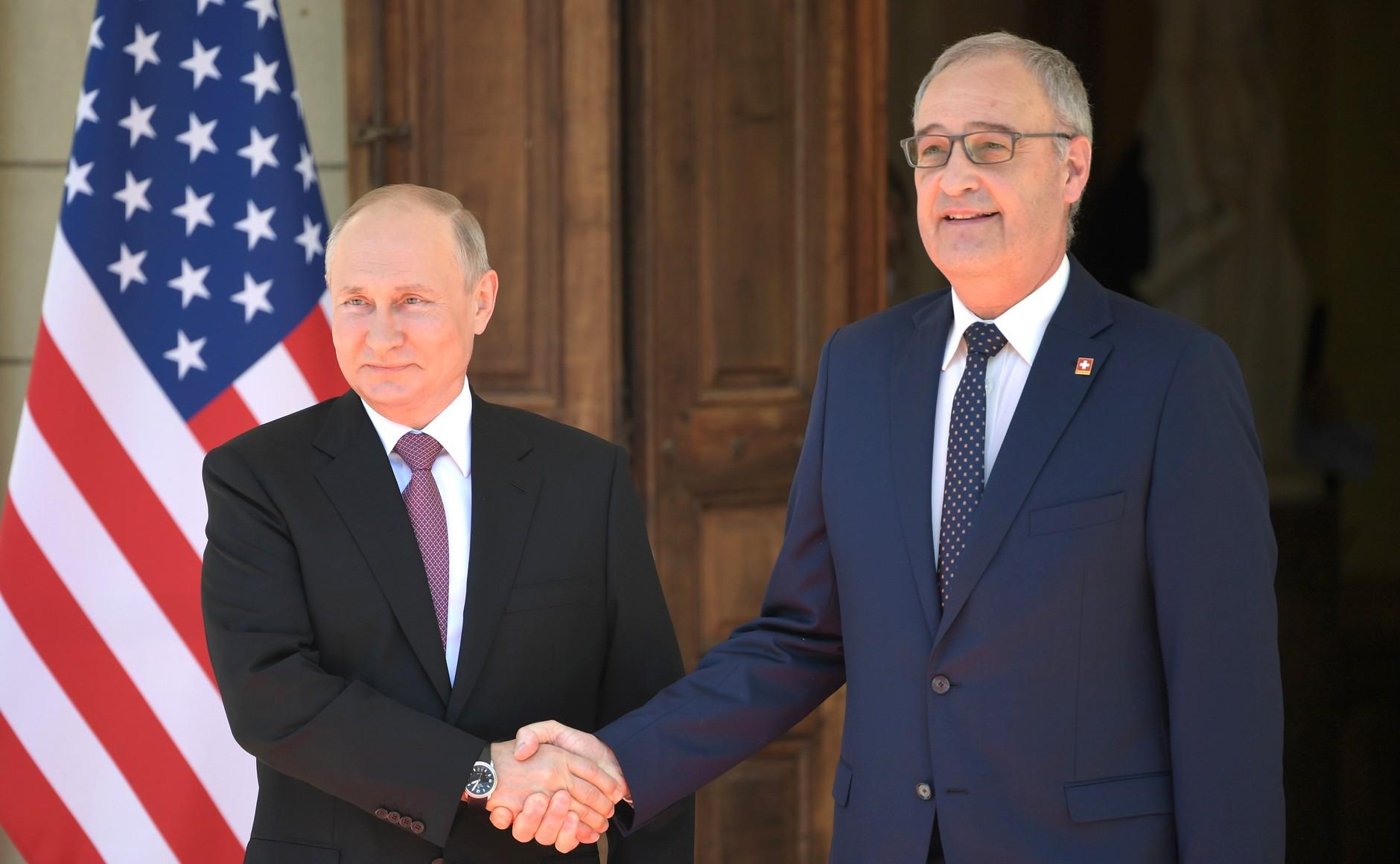 RUSSIE USA 1 X 15 Avec le président de la Confédération suisse Guy Parmelin. Photo TASS