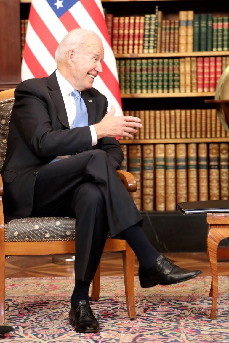 RUSSIE USA 13 X 16 Avec le président des États-Unis d'Amérique Joseph Biden avant les pourparlers russo-américains. Photo TASS