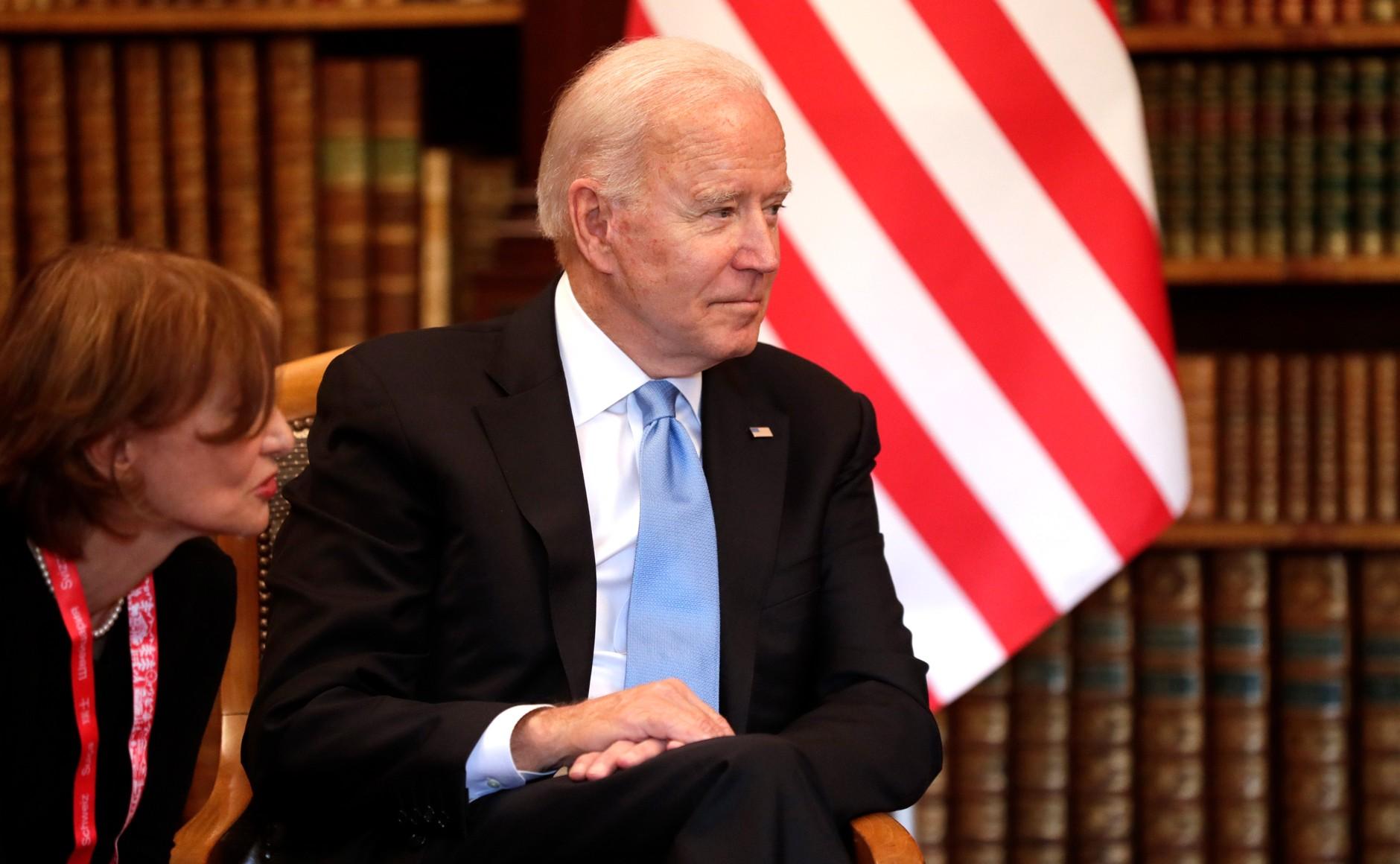 RUSSIE USA 14 X 16 Avec le président des États-Unis d'Amérique Joseph Biden avant les pourparlers russo-américains. Photo TASS