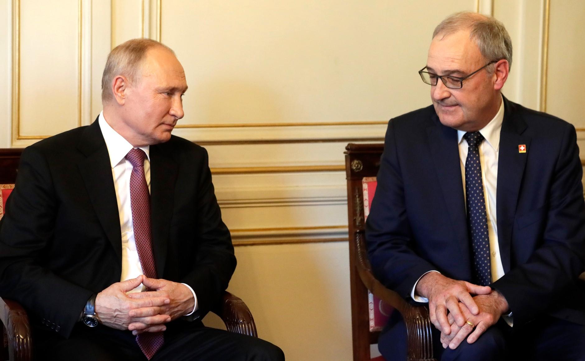 RUSSIE USA 2 X 16 Avec le président de la Confédération suisse Guy Parmelin. Photo TASS