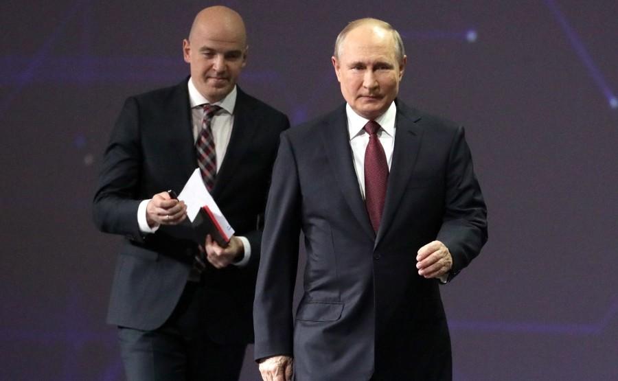 SP RUSSIE 1 X 15 DU 04.06.2021 Séance plénière du Forum économique international de Saint-Pétersbourg - 4 juin 2021 - 17h20