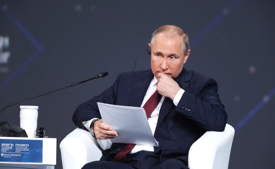SP RUSSIE 10 X 15 DU 04.06.2021 Séance plénière du Forum économique international de Saint-Pétersbourg - 4 juin 2021 - 17h20