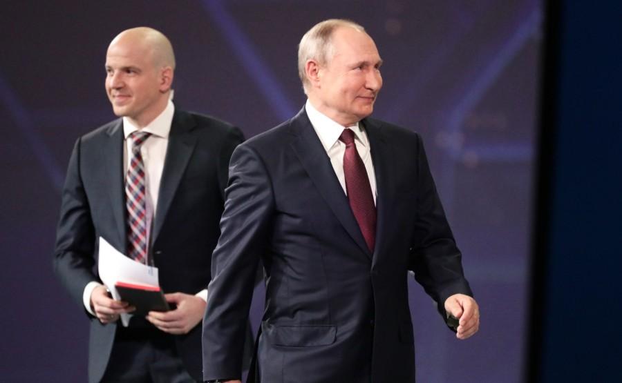 SP RUSSIE 2 X 15 DU 04.06.2021 Séance plénière du Forum économique international de Saint-Pétersbourg - 4 juin 2021 - 17h20